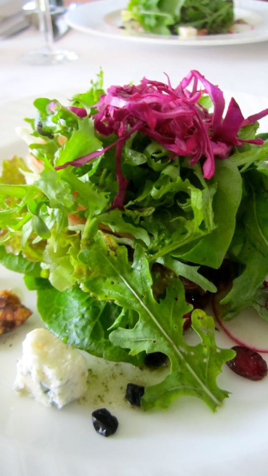 Simple and clean tasting organic salad. Delish!
